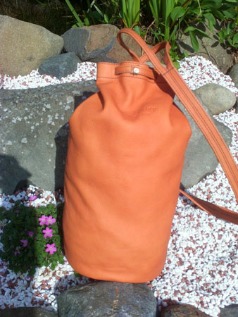 duffel daysack leather bag